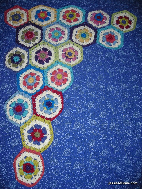 hexagon-blanket-growing
