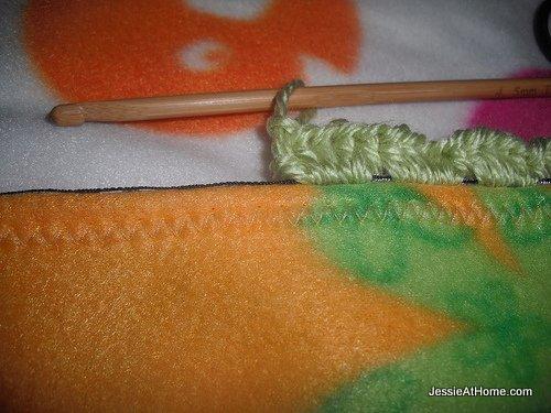 crochet-on-boarder