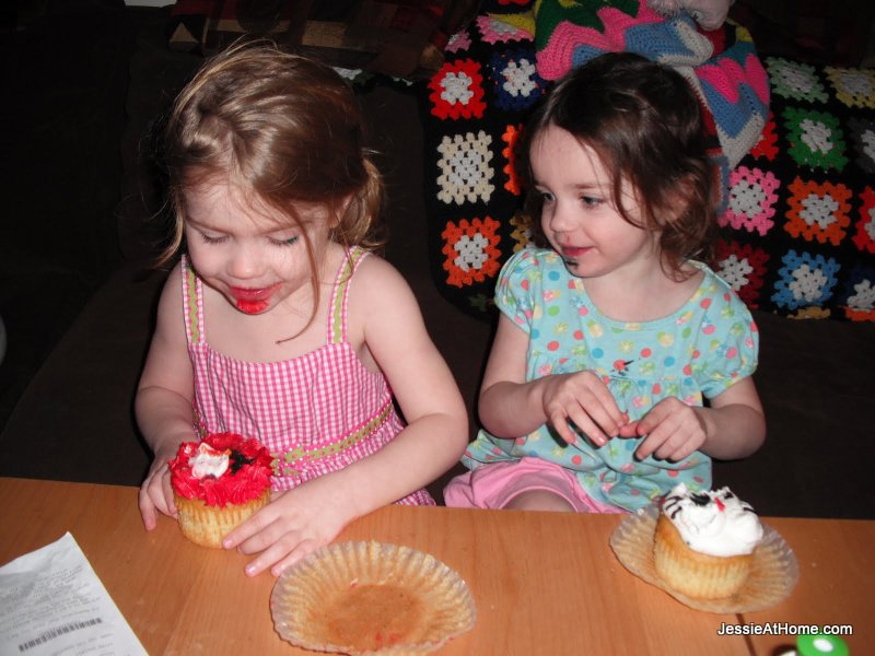 Messy-Cupcakes-Mother's-Day-2011