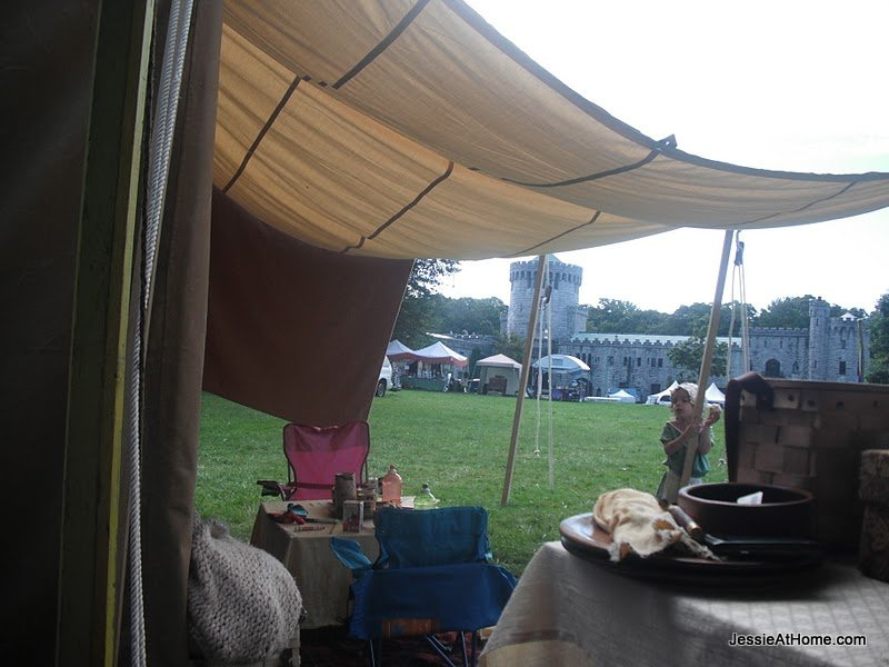 Kiddie-tent-Sands-Point-2011
