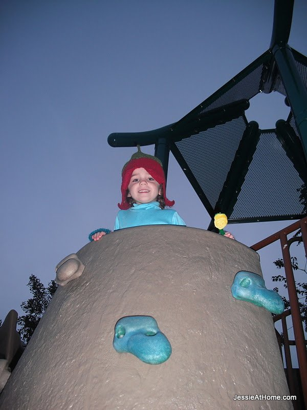 Vada-Fairy-at-the-top-of-the-rock-wall