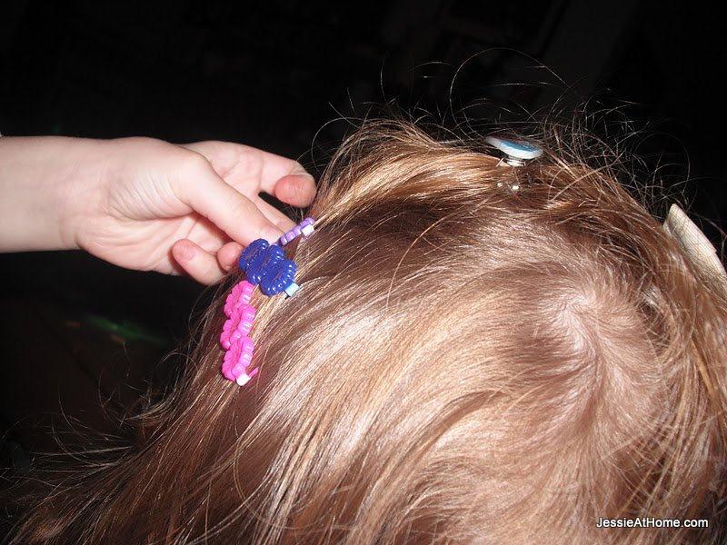 Vada-does-Kyla's-hair
