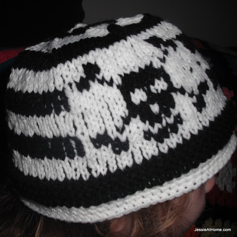 black-and-white-pirate-hat