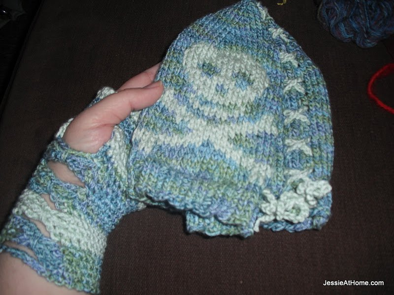 hat-and-mitts-set