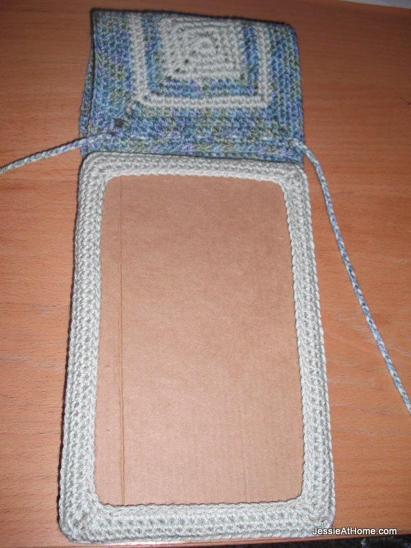 Crochet-Nook-Case-Free-Pattern