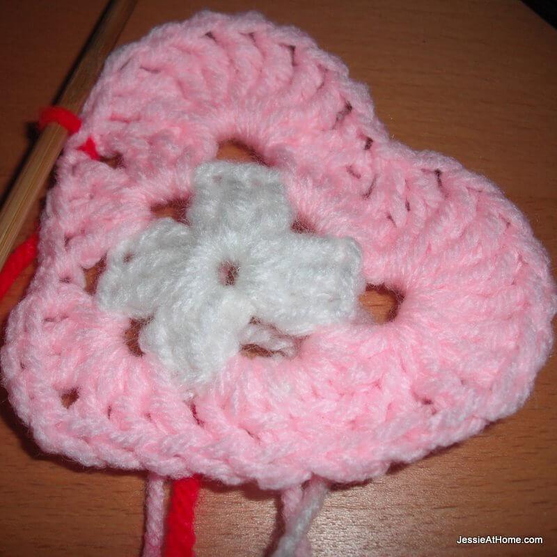 Heart-Free-Crochet-Pattern-Round-2
