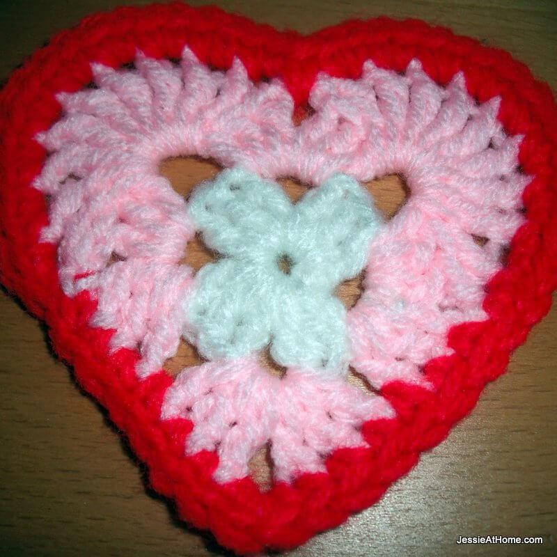 Heart-Free-Crochet-Pattern-Round-3