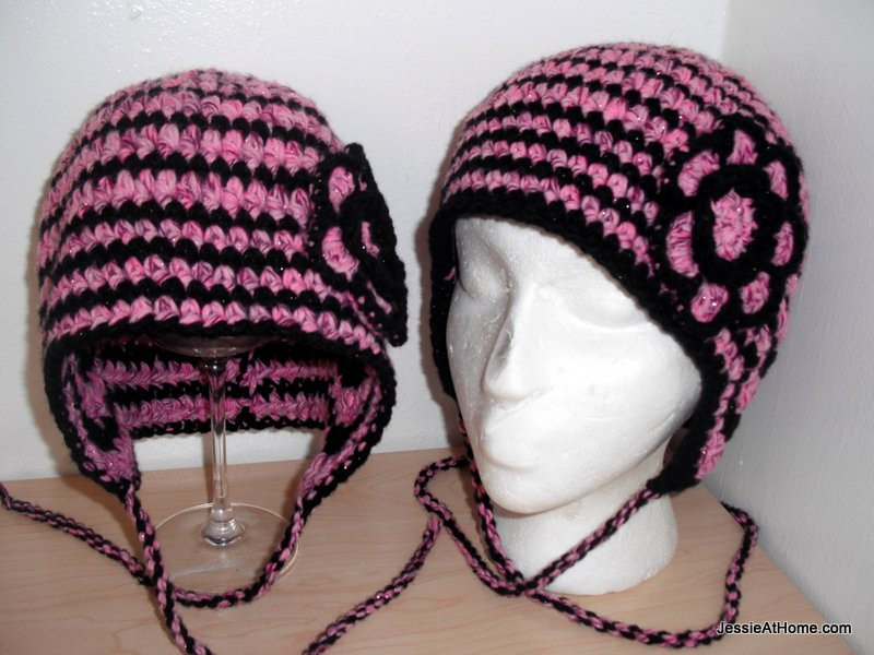 Mother-and-daughter-Max-hats