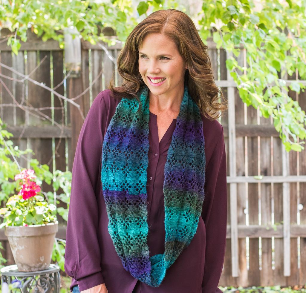 Diamond Lace Infinity Scarf Kit #CrochetKit from @beCraftsy