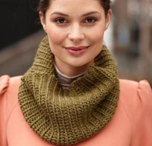 Mock Rib Crochet Cowl Kit #CrochetKit from @beCraftsy
