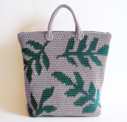 Leaves Backpack by ChabeGS #CrochetKit from @beCraftsy