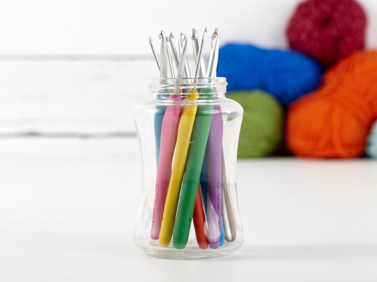 Clover Amour Crochet Hooks Set of 10 Craftsy Supply