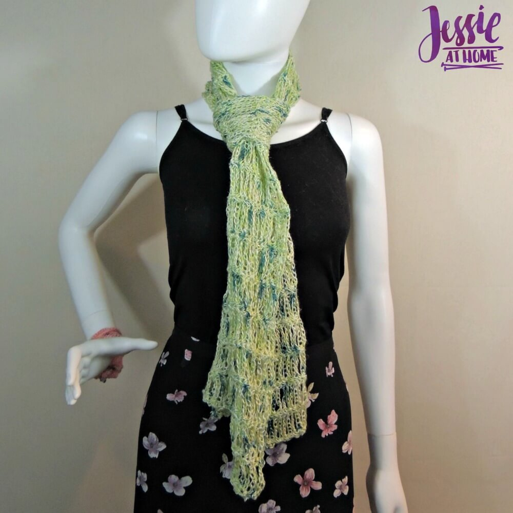 Unchained Scarf - free crochet pattern by Jessie At Home - 3