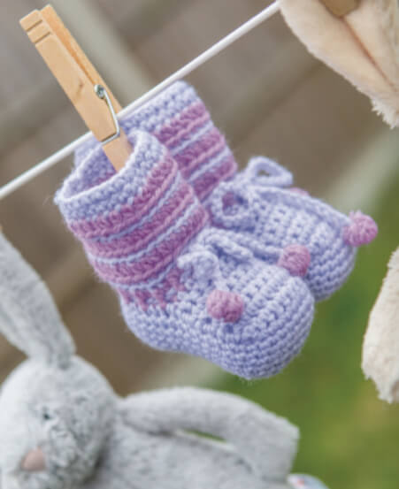 20 Crochet Baby Shoes - purple booties