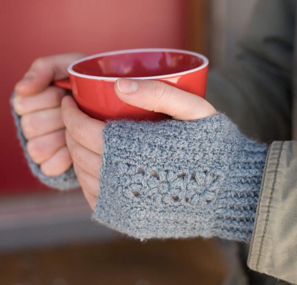 Flora Mitts Craftsy Crochet Kit