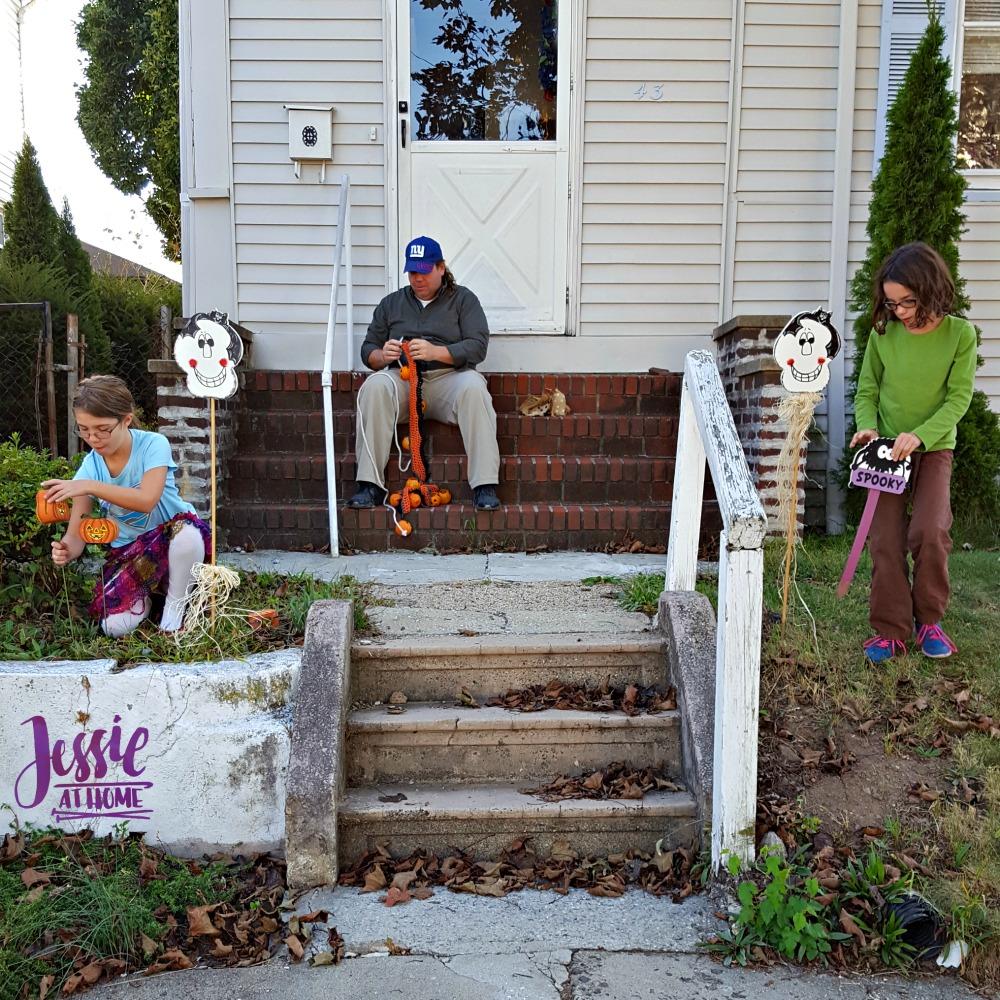 decorating Halloween 2017