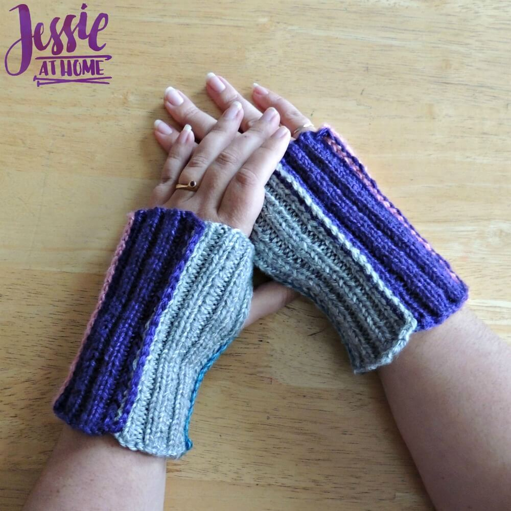 Stripey Mitts - free crochet pattern by Jessie At Home - 2