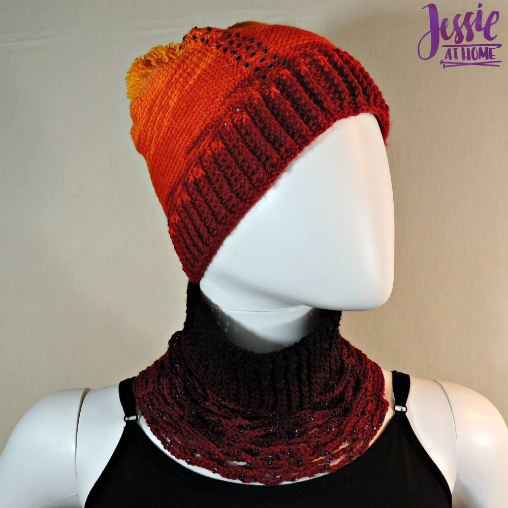 Chrissy Neck Warmer - free crochet pattern by Jessie At Home - 3