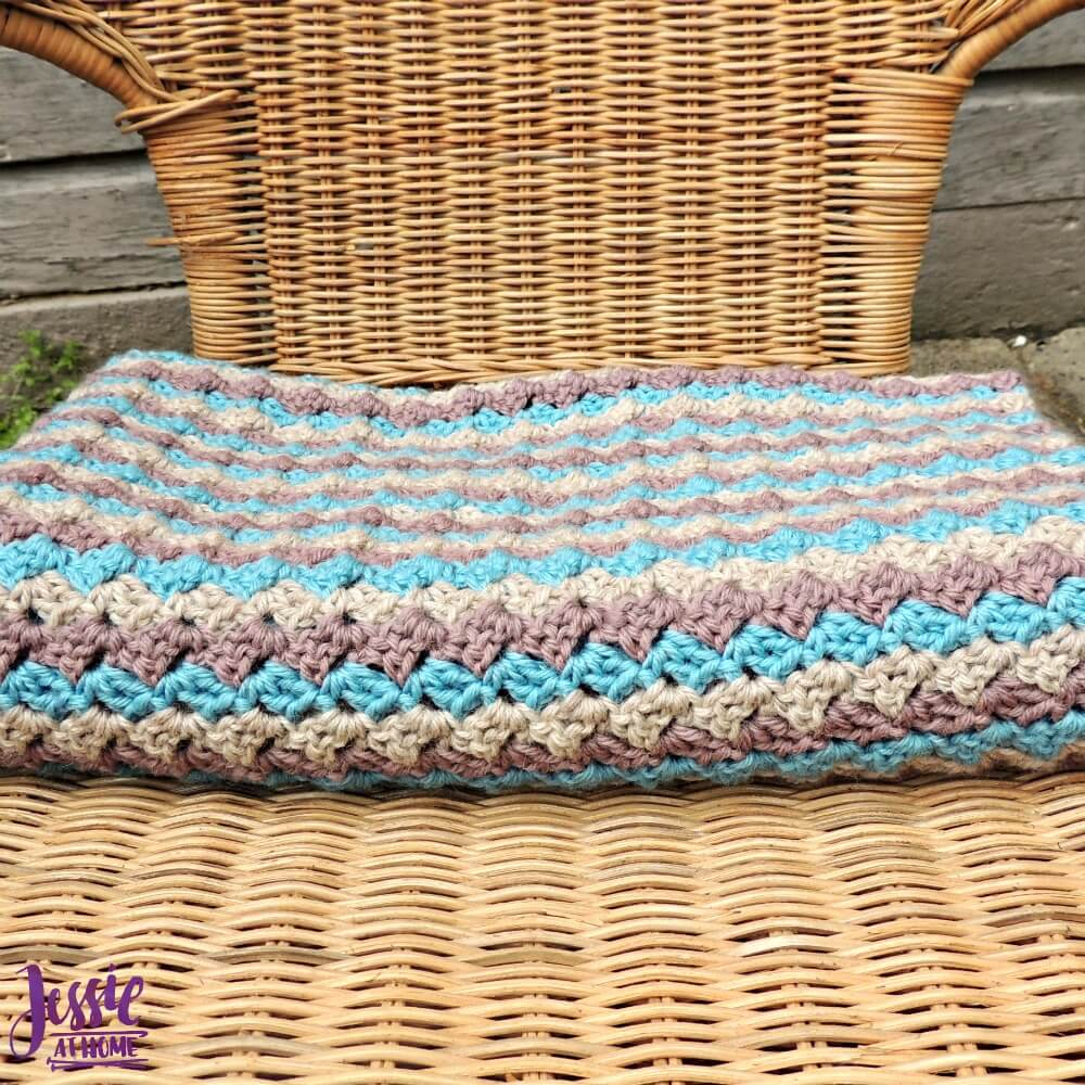 Robin Baby Blanket - free crochet pattern by Jessie At Home - 3