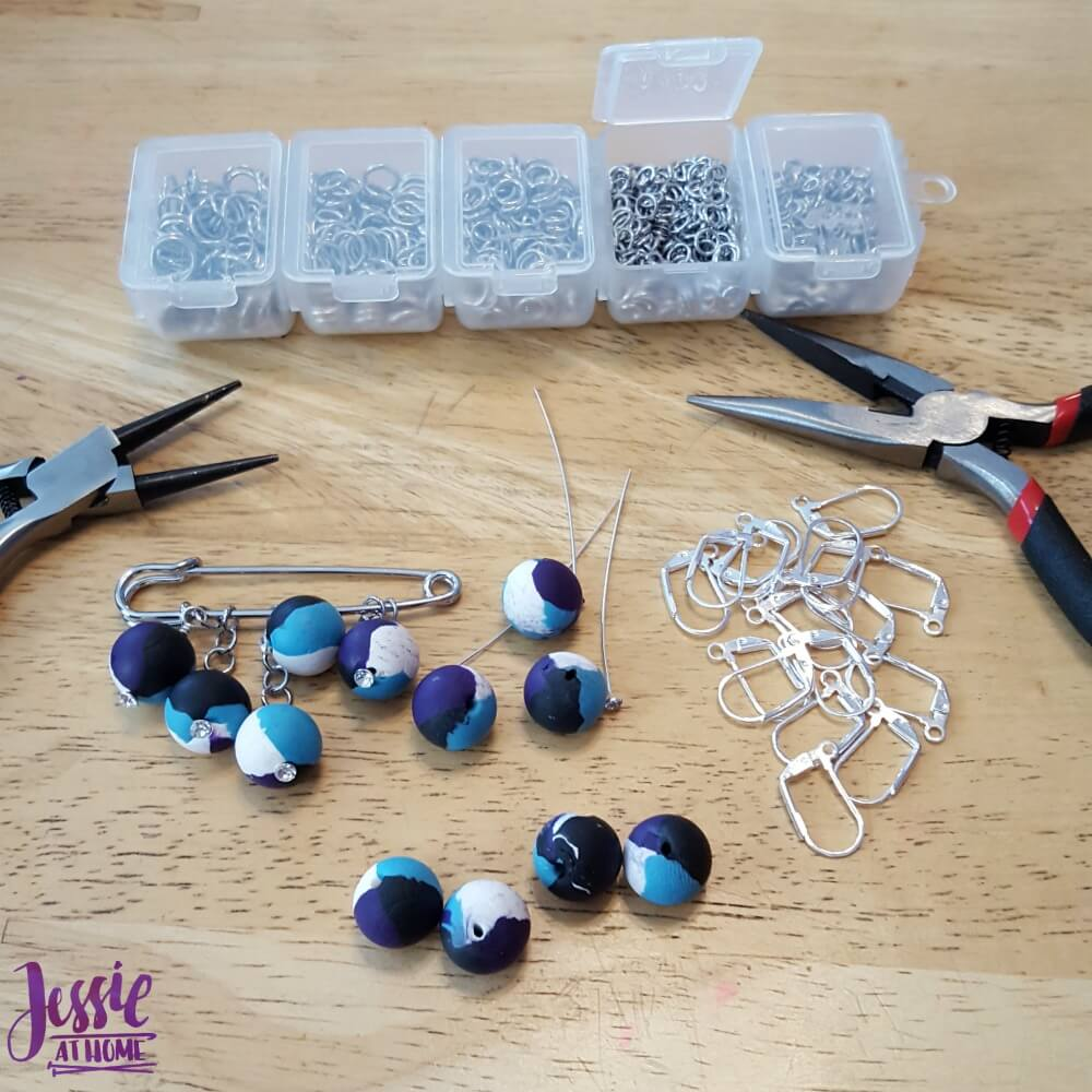 Crochet & Knit accessories with Sculpey - beaded creations