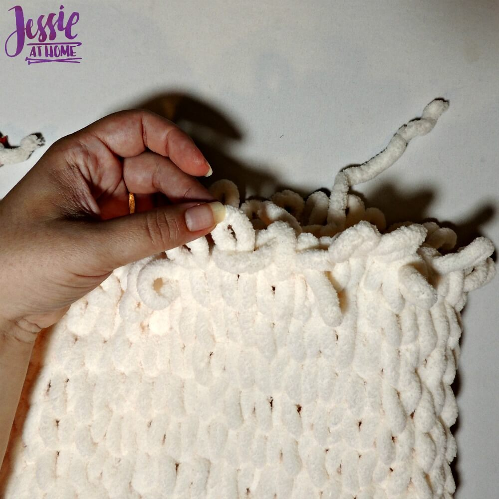 Half Hour Cowl free pattern by Jessie At Home fig. 6