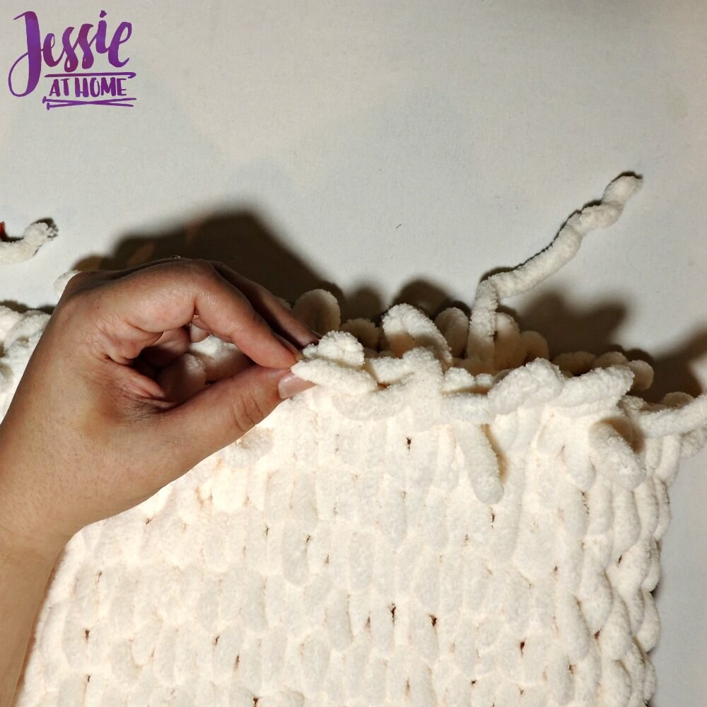 Half Hour Cowl free pattern by Jessie At Home fig. 7