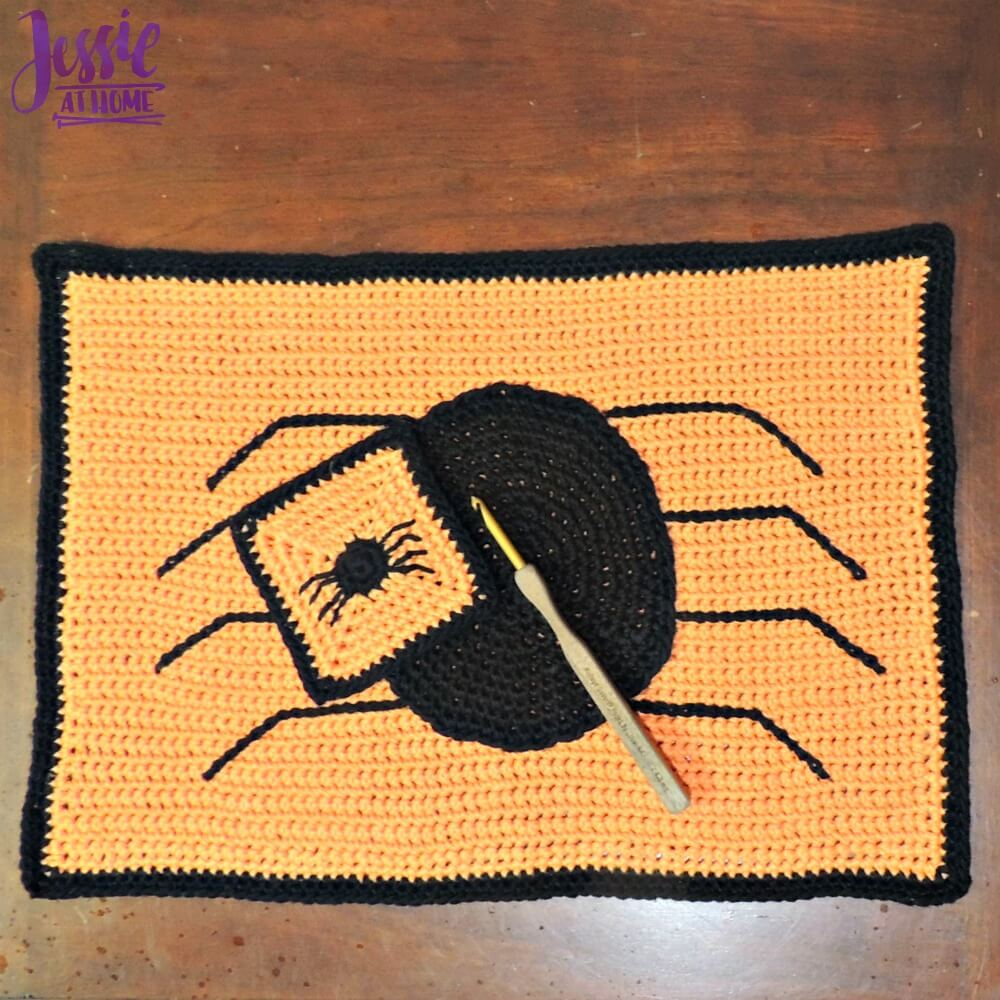 Spider Placemat A Creepy Crawly Way To Celebrate Halloween