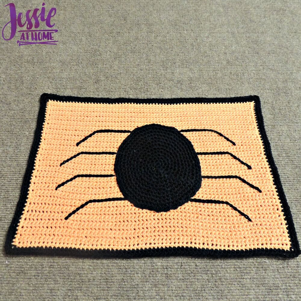 Spider Placemat free crochet pattern by Jessie At Home - 4