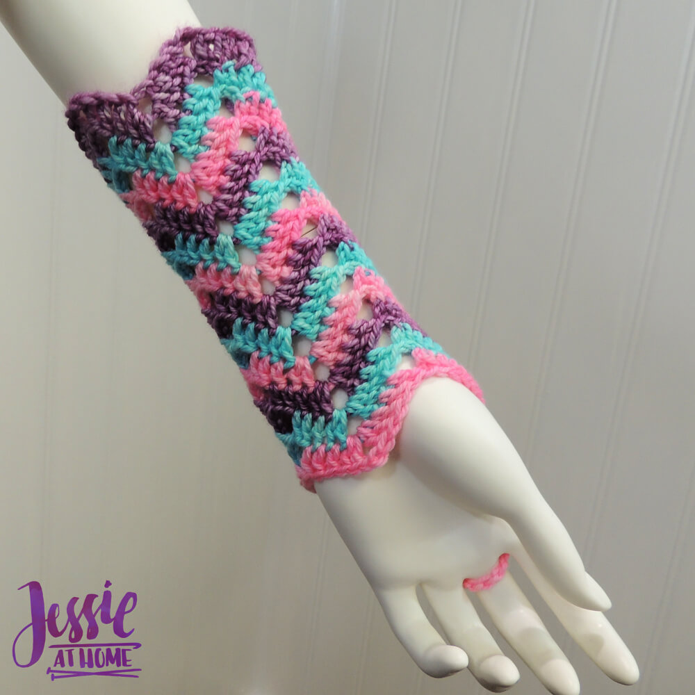 Wave Your Hands Mitts free crochet pattern by Jessie At Home - 2