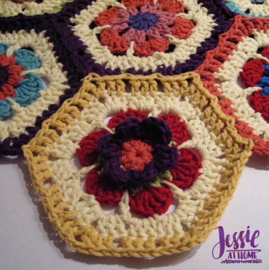 Flower to Hexagon Granny free crochet pattern by Jessie At Home tutorial - 8