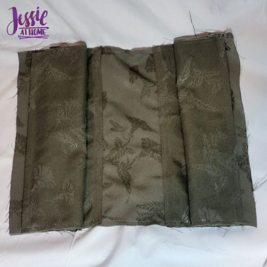 Diamond Dotz Messenger Bag Sewing Tutorial by Jessie At Home - lining