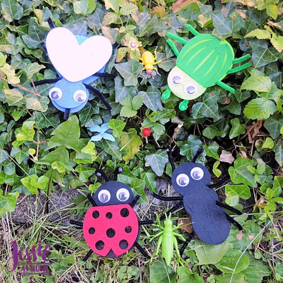 Bug Art For Kids - Buzzin' Bugs - July Orange Art Box Projects from Jessie At Home - felt bugs