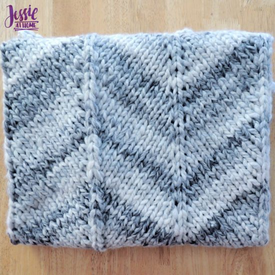 Chunky Chevron Fast Knit Baby Blanket - knit pattern by Jessie At Home - 2