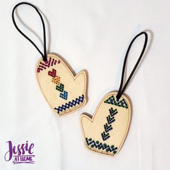 DIY Yarn Ornaments - Stitchable wood ornaments from Katrinkles - Jessie At Home - so pretty