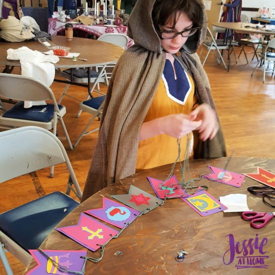 DIY Medieval Banner Cricut tutorial from Jessie At Home - Vada Creating