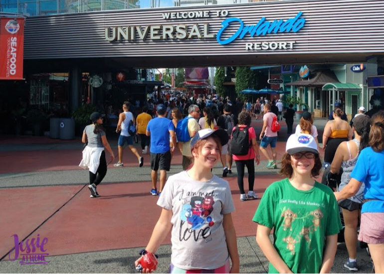 Marvel Fluxx and Universal Florida - Jessie At Home - Universal